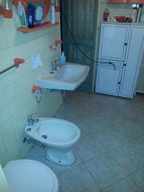 Accessori Bagno Anni 80 : Appartamento di mq in palazzina anni da