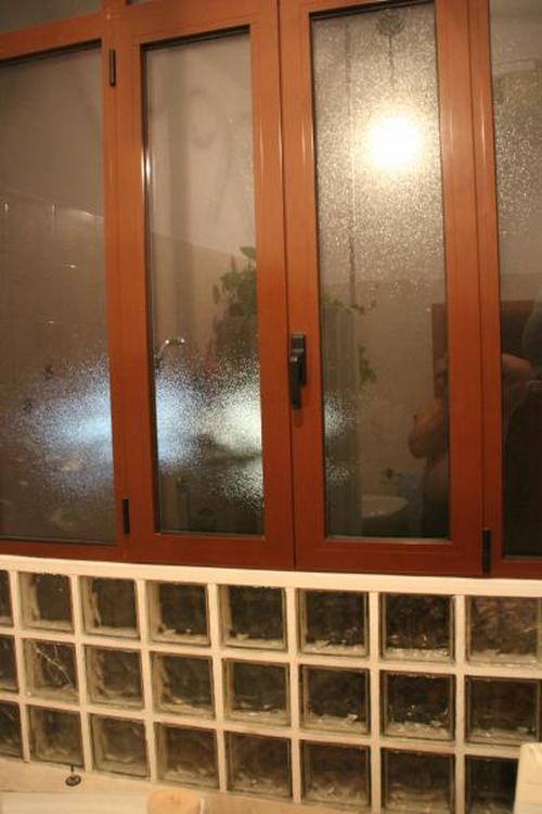 Sostituzione vetrata in vetrocemento con finestra in pvc o alluminio a sasso marconi - Finestra in vetrocemento ...