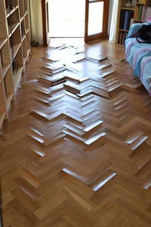 Gres su parquet confortevole soggiorno nella casa - Costo posa piastrelle su pavimento esistente ...