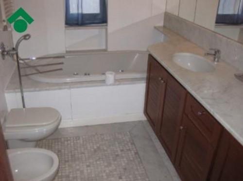 Bagni Con Doccia Alla Finestra : Bagni con doccia sotto la finestra idee d interni e casa esteriore