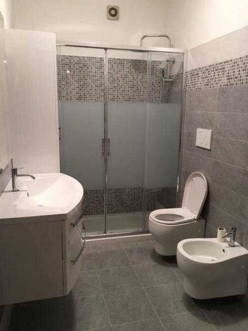 Ristrutturazione bagno a 2700 00 5 6 mq irina chicos - Progetto bagno 2 mq ...