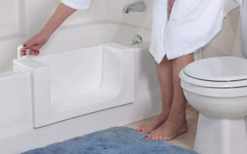 Vasca Da Bagno Libera Installazione Prezzi : Installazione vasca con sportello: quali i prezzi edilnet.it